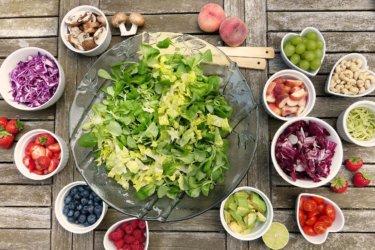 【ダイエット】痩せる為に野菜しか食べてないのになぜか太ってしまう理由